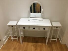 White dressing table and mirror with matching bedside cabinets