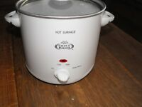 GILES & POSNER 3.5 LITRE SLOW COOKER - BRAND NEW - #NO POT#
