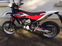 Husqvarna TE 449 2013 Dual sport Motorbike for sale all road gear included.