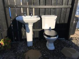 Twyford toilet and sink