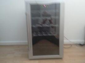 Good working wine rack fridge