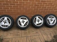 """Ford Alloys 15"""" very good tyres"""