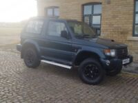 MITSUBISHI SHOGUN MANUAL DIESEL RARE COLOUR ** LIFTED **