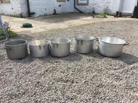 Commercials cooking pots