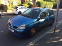 Renault Clio expression 16V for sale, Long MOT, sunroof, drives well.