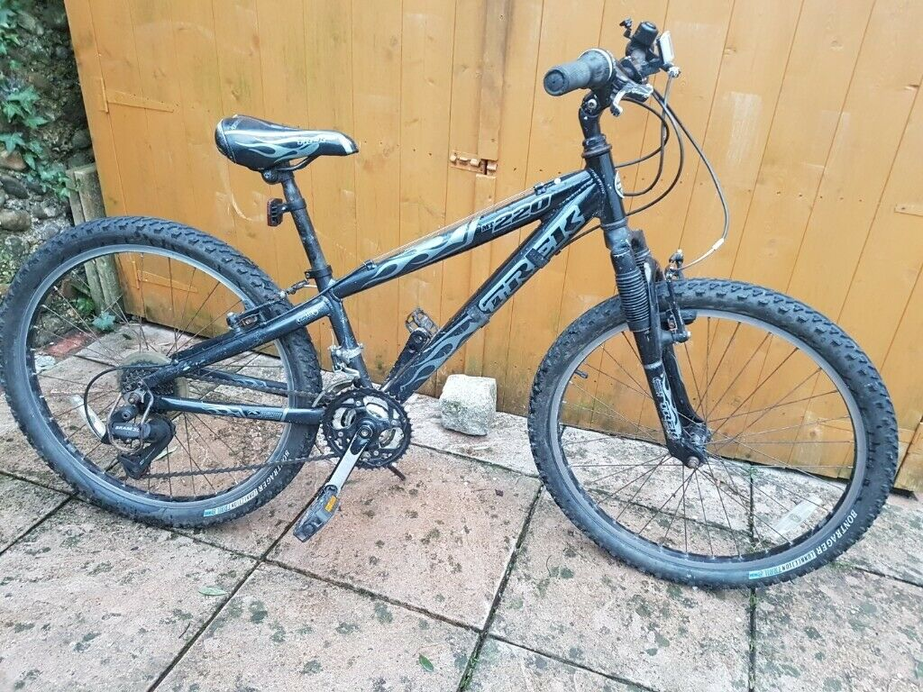 274790d8c00 Trek 220mt Childs Mountain Bike 24