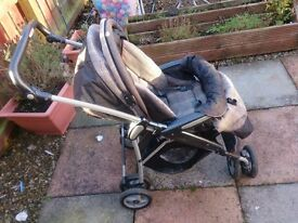 Sturdy travel system suitable from birth. car seat cover, car seat with 2 easy fix bases, Carrycot