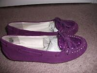 NEW GIRLS LANDS END MOCCASINS - Size 1