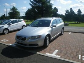 VOLVO V70 Estate. Silver. High motorway miles. serviced every 12.5k miles. Immaculate condition.