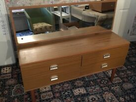 Dresser and drawers