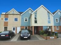 Modern 4 bedroom town house overlooking the water in Fareham, Hampshire
