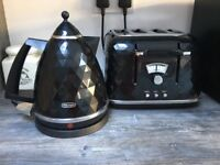 Black Toaster and Kettle Set