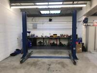 2 post car ramp / lift single phase - mint condition