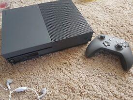 XBOX ONE S Dark grey + gta 5