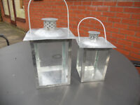 2 LANTERNS MADE OF GALVANISED STEEL & 100 TEA CANDLES