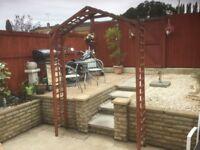 Garden arch / trellis
