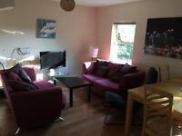 Large double room in bright city centre apartment - fantastic location!!