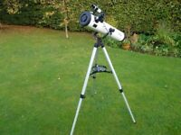 REFLECTOR TELESCOPE WITH MOUNT/TRIPOD