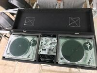 Gemini XL500II Decks with PMX140 Mixer Microphone and Gemini Flight Case