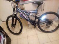 XT 950 Mens bike
