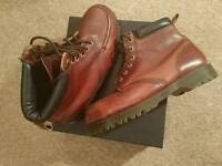Dr.Martens leather boots - Men 9 - Brand new