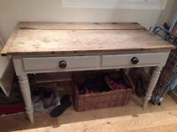 Lovely Kitchen Table, rustic shabby chic style, painted legs french