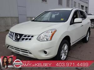 2013 Nissan Rogue SV AWD **LOW KM** Heated Seats/Bluetooth