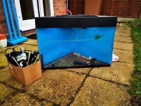 Corner Fish Tank including Accessiores 70 litres