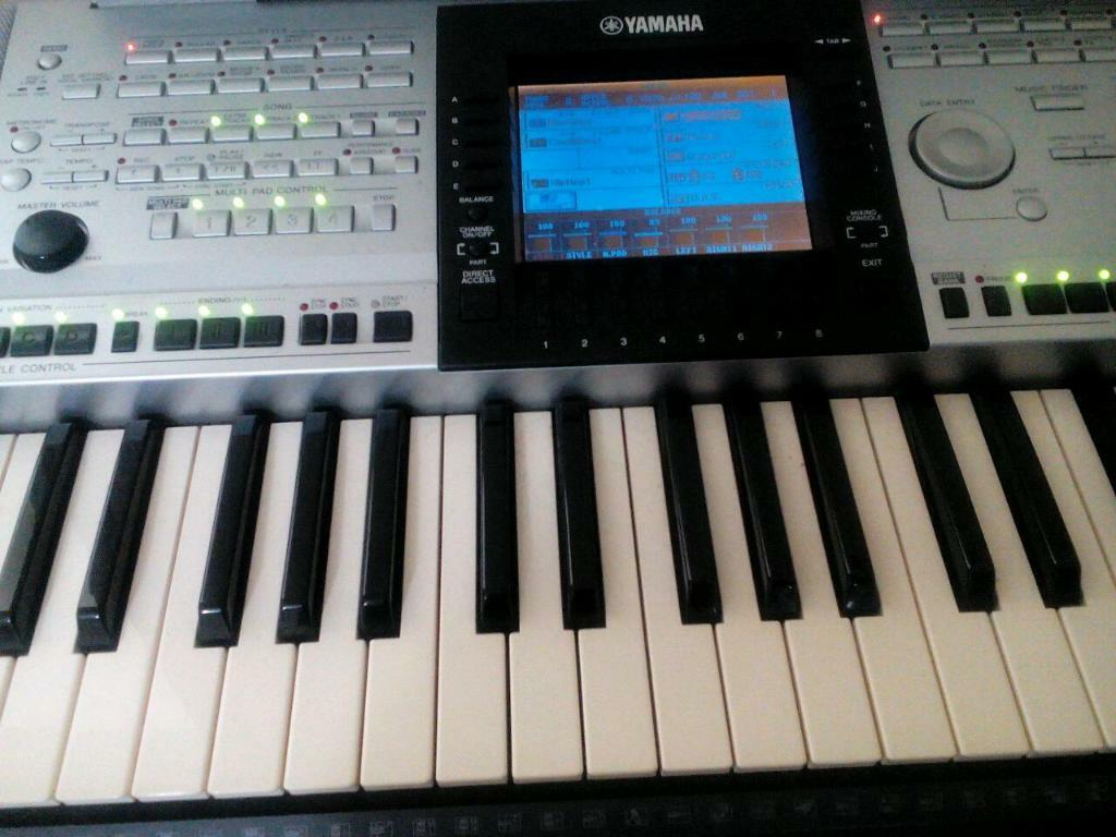 yamaha psr 3000 in tower bridge london gumtree. Black Bedroom Furniture Sets. Home Design Ideas