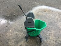 SYR TC20 - LARGE KENTUCKY MOP BUCKET / WRINGER GREEN