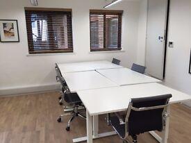 1 desk close to London Bridge - £300 per month