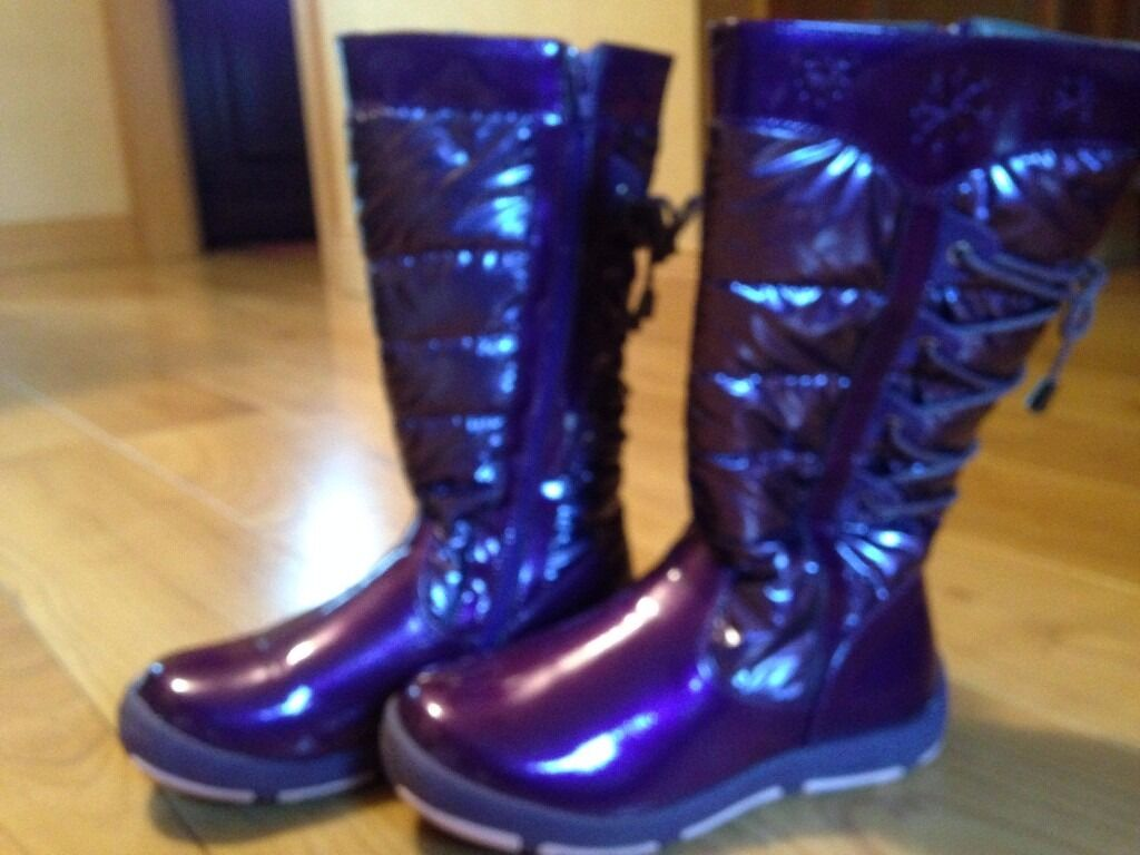 Debenhams Girls purple patent snow boots size 1