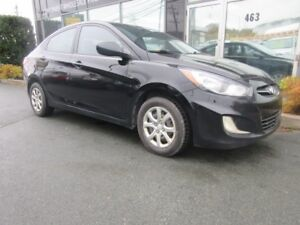 2013 Hyundai Accent 5-SPEED SEDAN