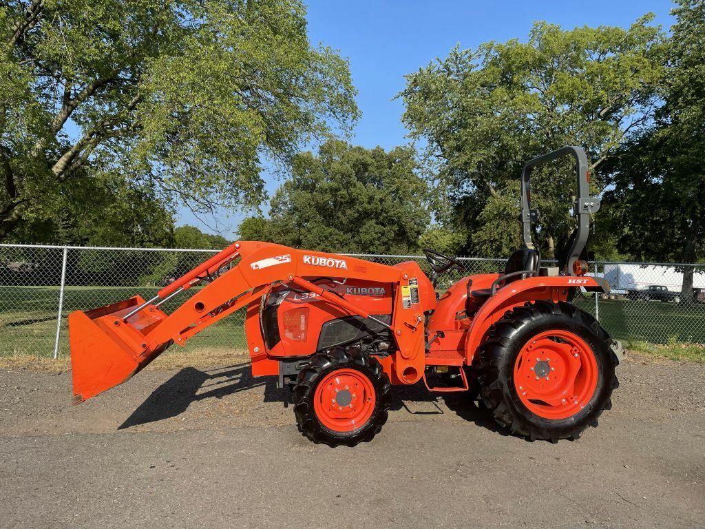 2016 KUBOTA L3301 Tractor 313 Miles ORANGE  33 Automatic