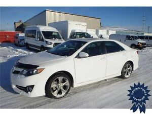 2014 Toyota Camry SE, Keyless Entry, Synthetic Seats, 34,666 KMs