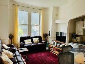 2 bedroom flat in Ground Floor, London, W9 (2 bed) (#1226775)