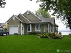 359 900$ - Bungalow à vendre à Champlain