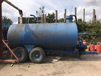 Slurry Tanker with vacuum pump and pipes