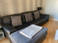 Black Leather Sofa & Swivel Chair/Italian Leather DFs *can Deliver**