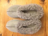 Light grey sheepskin boottee slippers size 7 (brand new)