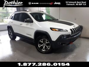 2014 Jeep Cherokee Trailhawk | LEATHER | 8.4 TOUCHSCREEN | SUNRO
