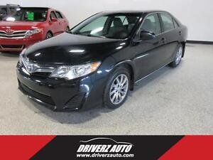 2012 Toyota Camry LE WITH NAVIGATION!