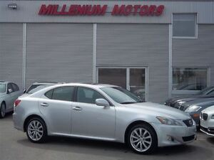 2007 Lexus IS 250 AWD / LEATHER / SUNROOF / A MUST SEE