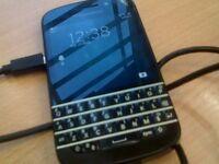 Blackberry Q10 Touchscreen Smartphone 8mp 4G LTE - Unlocked
