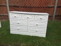 Dreams Avignon chest of drawers