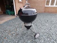Weber 57 cms Kettle Bar B Q Temperature control,.ash collector easy to clean out.