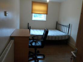 ROOM TO LET at Argyle road, near the city center and the solent university