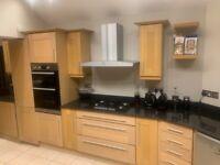 Kitchen Units & Granite Worktop