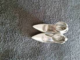 Schuh Silver Shoes