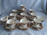 30 Piece Colclough Imari Royale China Teaset 10 Trios Teacups Saucers Tea Plates Perfect